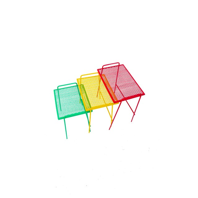 Mid-Century Salterini Metal Nesting Tables || Set of 3 Red, Yellow, Green Indoor/Outdoor Versatile Accent Furniture For Sale - Image 10 of 11