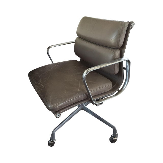 Herman Miller Soft Pad Management Chair - Image 1 of 10