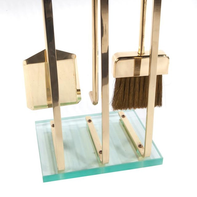1970's VINTAGE BRASS AND GLASS FIREPLACE TOOL SET For Sale - Image 4 of 11
