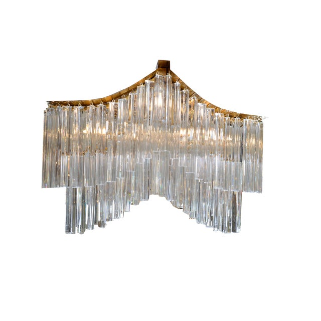 Hollywood Regency Pagoda Chandelier in Crystal and Brass For Sale - Image 3 of 13