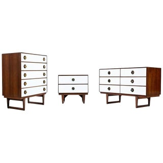 Mid-Century Modern Moroccan Style Brass Spade Pull Bedroom Set by Stanley For Sale