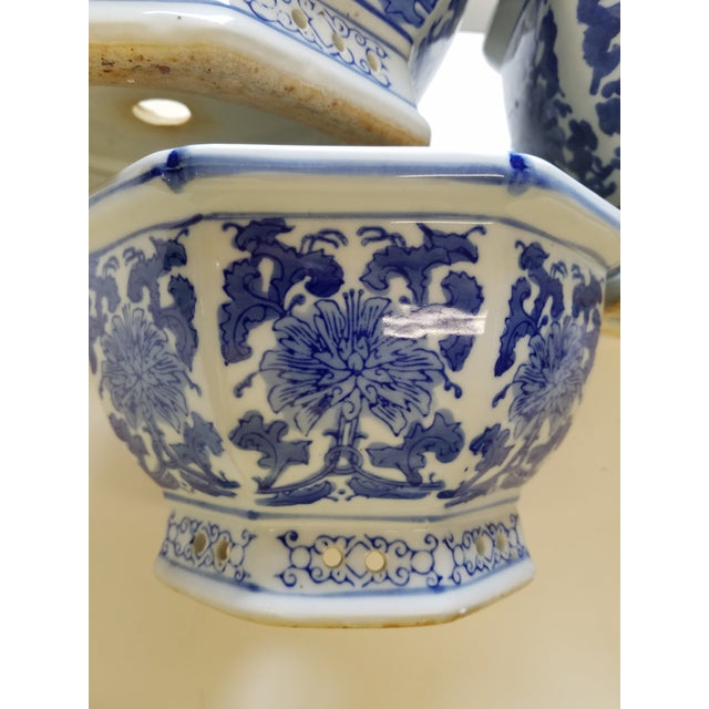Asian Chinese Octagonal Blue & White Flower Pots Cachepots - Set of 3 For Sale - Image 3 of 4