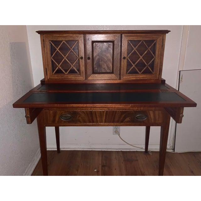 20th Century Traditional Kittinger Gainsborough Flame Mahogany Secretary Desk For Sale - Image 9 of 9