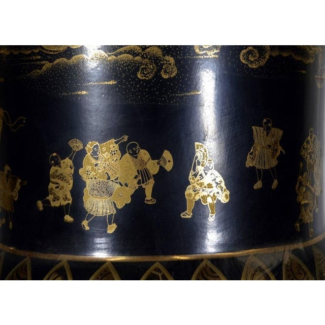 Vintage Black and Golden Hand-Painted Porcelain Vase from China, 20th Century For Sale In New York - Image 6 of 11