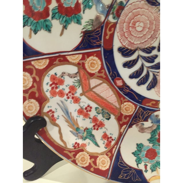 Ceramic Oversized Vintage Chinoisoire Hand-Painted Imari Porcelain Charger For Sale - Image 7 of 10
