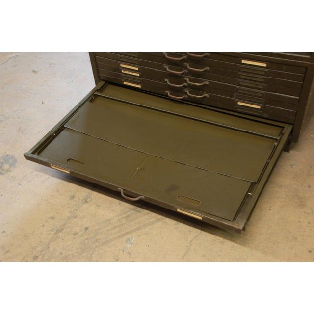 Vintage Industrial Metal 20-Drawer Blueprint Flat File by Hamilton Manufacturing Co. For Sale In South Bend - Image 6 of 10