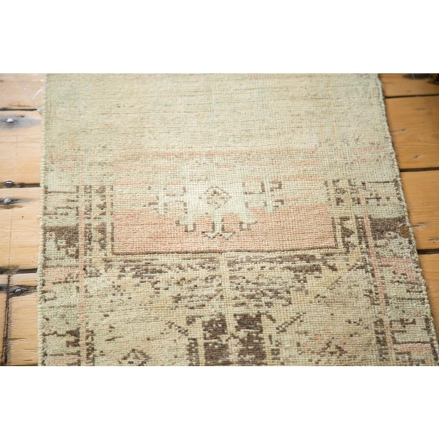 Vintage Ivory and Peach Oushak Rug For Sale - Image 5 of 6