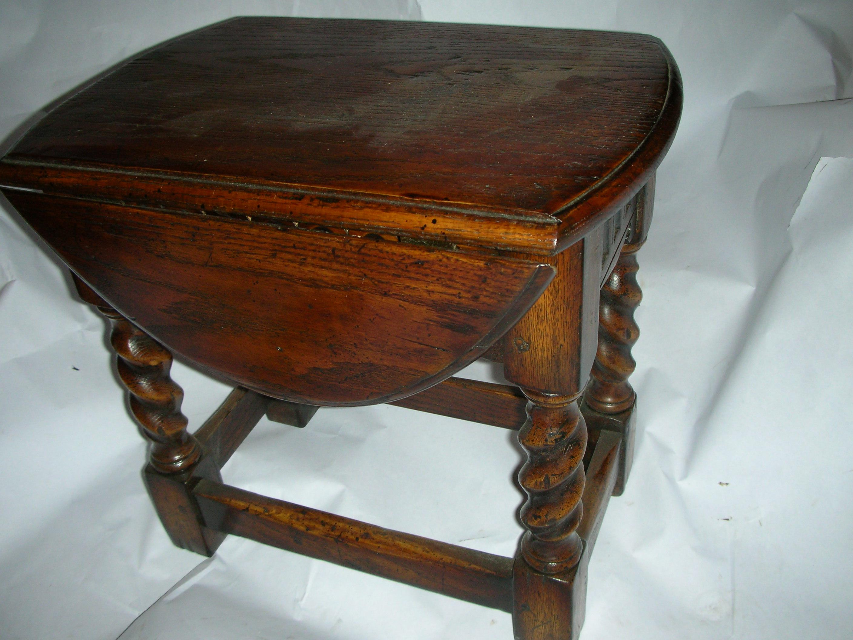 A Beautiful Small Oak Drop Leaf Side Table With Barley Twist Legs, A Great  Useful