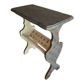 Vintage Rustic Farmhouse Distressed Gray Magazine Rack End Table For Sale