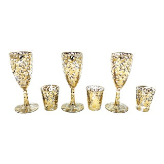 Vintage Mid Century 6 Piece Champagne and Shot Celebratory Glassware Set With 22kt Gold Speckled Design, by Federal Glass Company. For Sale