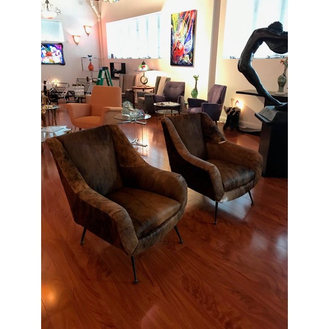Italian Mid-Century Modern Club Chairs Covered in Cowhide - a Pair For Sale - Image 4 of 13