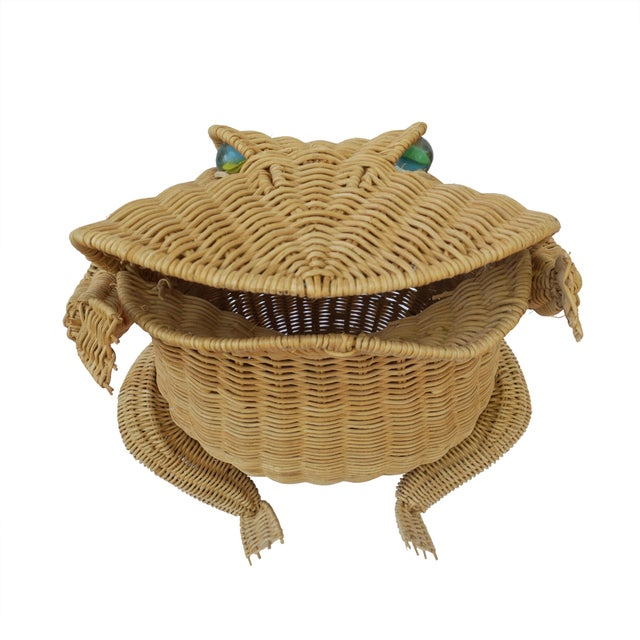Vintage retro wicker frog basket. Perfect for the porch or sunroom, living room, bedroom, or even the nursery or little...