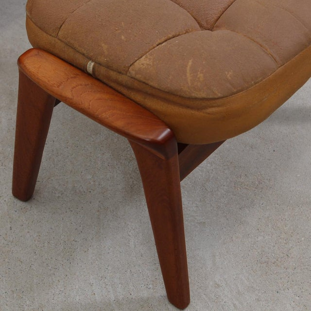 Leather Mid-Century Modern Lounge Chair & Ottoman - Image 8 of 9