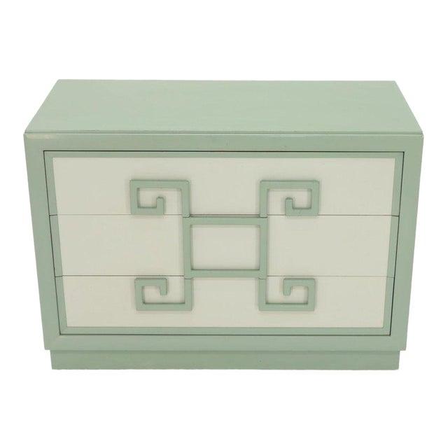 Kittinger Mandarin Style Bachelor Chest Dresser Blue and White Lacquer For Sale