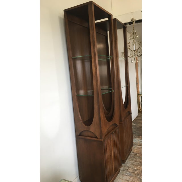 Mid-Century Modern On Hold Broyhill Brasilia Rare Curio Towers - a Pair For Sale - Image 3 of 11