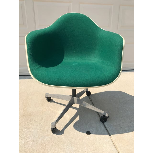 Herman Miller Eames Rolling Shell Chair - Image 7 of 11