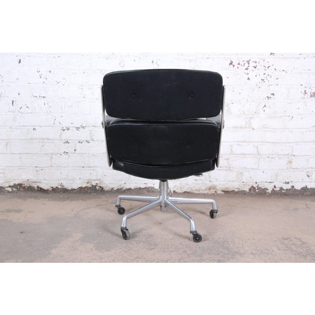 1960s Charles Eames for Herman Miller Time Life Executive Chair For Sale - Image 5 of 9