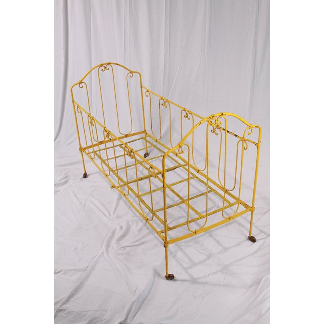 Vintage French Yellow Daybed For Sale In New Orleans - Image 6 of 8
