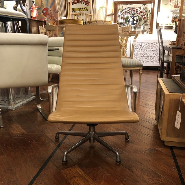 Mid-20th Century Eames Aluminum Group Lounge Chair For Sale - Image 12 of 12