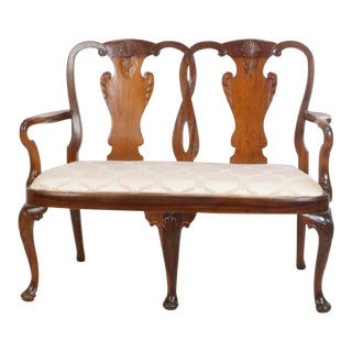 Early 20th Century Queen Anne Mahogany Settee For Sale