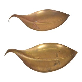 Mid-Century Modern Brass Leaf Shape Dish Decorative Plates - a Pair For Sale