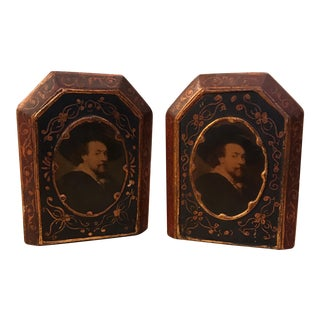 A Pair of Italian Florentine Wood Bookends Gold Gilt William Shakespeare For Sale