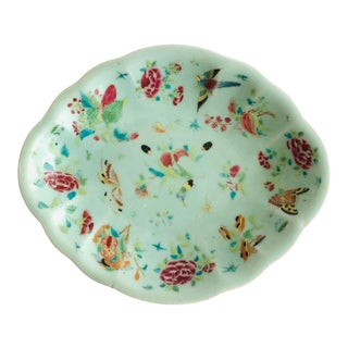 Antique Wucai Qing, Circa 1820 Chinese Porcelain Celadon Glaze Hand-Painted Butterflies Oval Dish Platter Bowl For Sale
