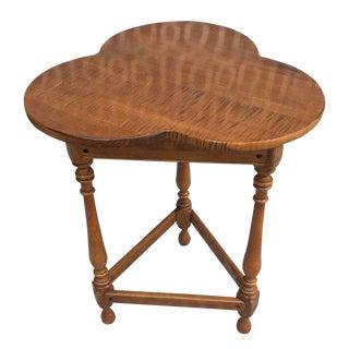 Ethan Allen Trefoil Top Colonial Side Table For Sale