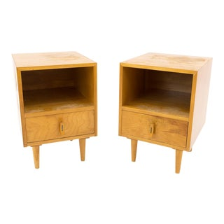 Paul McCobb for Glenn of California Blonde Nightstands - a Pair For Sale
