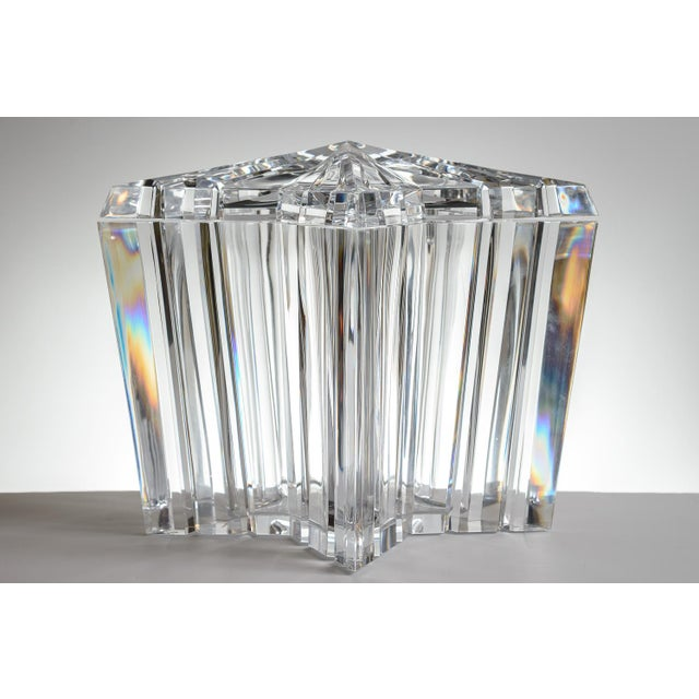 Mid-Century Modern Lucite/Acrylic Star Shape Ice Bucket - Image 5 of 11