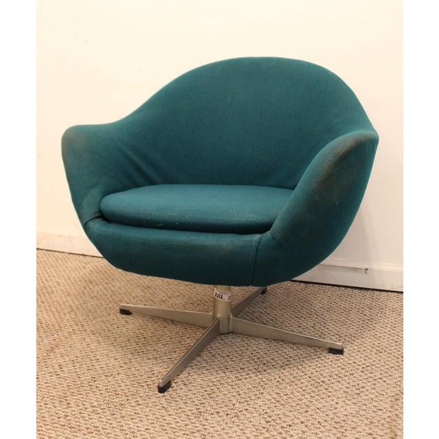 Danish Mid-Century Modern Overman Style Swivel Chrome Base Pod Chair For Sale - Image 4 of 11