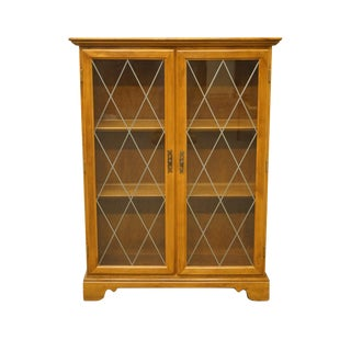20th Century Traditional Ethan Allen Heirloom Nutmeg Maple Accent Enclosed Bookcase/Curio Cabinet For Sale