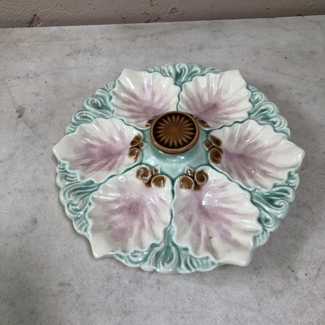 French Majolica Handled Oyster Plate Orchies, Circa 1890 For Sale - Image 3 of 9