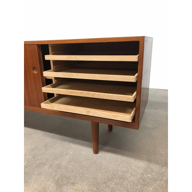 Ry-26 Teak Credenza by Hans Wegner For Sale In Providence - Image 6 of 8