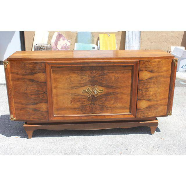 Art Deco French Art Deco Exotic Walnut Sideboard / Buffet Circa 1940s. For Sale - Image 3 of 10