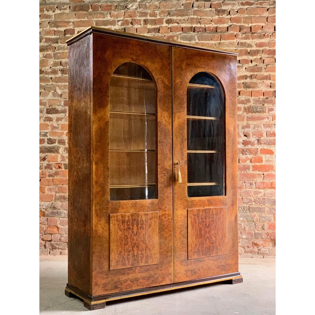 Art Deco Tomaso Buzzi Burr Walnut Display Cabinets Bookcases, Italy, circa 1929 - A Pair For Sale - Image 3 of 12
