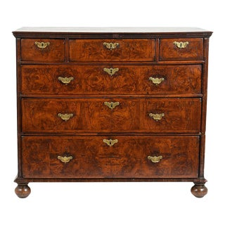 Traditional Early 19th Century English Chest of Drawers For Sale