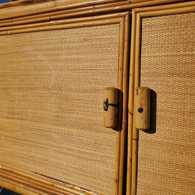 Late 20th Century Vintage Bamboo Display Cabinet For Sale - Image 5 of 10