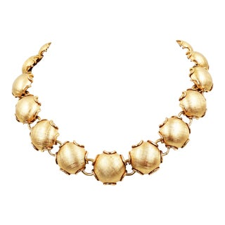 1950s Napier Goldtone Florentine Finish Necklace For Sale