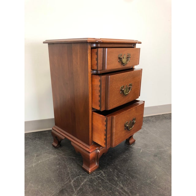 Kling Furniture Co. Kling Golden Mahogany Chippendale Block Front Nightstand For Sale - Image 4 of 11