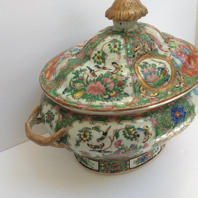 Massive Chinese Export Soup Tureen For Sale - Image 4 of 11
