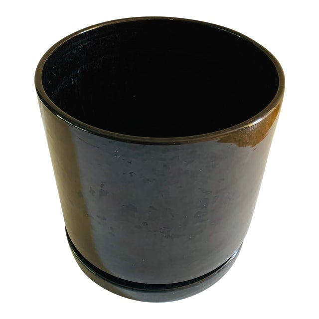 Mid-Century Modern Black Gainey Ceramics Planter Pot Plus Draining Platter Saucer For Sale
