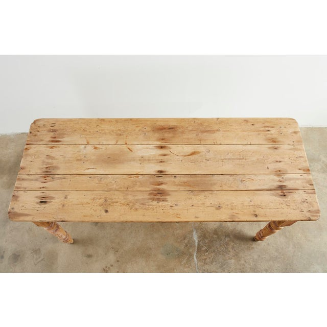 19th Century American Country Pine Farmhouse Dining Table For Sale In San Francisco - Image 6 of 13