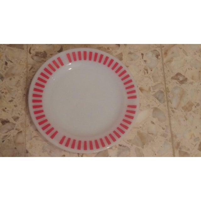 Hazel Atlas Red Candy Stripe Dinner Plates - Set of 8 For Sale In San Antonio - Image 6 of 11