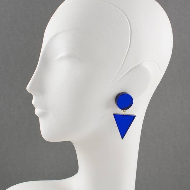French 1980s Geometric Lucite Clip-On Earrings Intense Royal Blue For Sale - Image 3 of 6