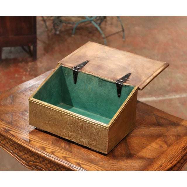 Early 20th Century French Repousse Brass and Wooden Box With Sailboats Decor For Sale - Image 4 of 8