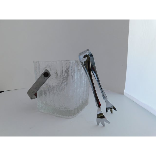 Glass Mid Century Textured Hoya Glass Ice Bucket and Tongs For Sale - Image 7 of 13