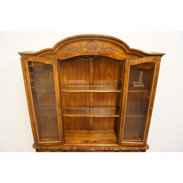 """Late 20th Century 20th Century French Bernhardt Furniture 60"""" Buffet With Lighted China Cabinet For Sale - Image 5 of 12"""