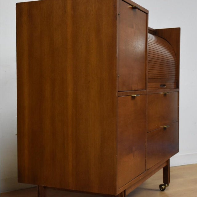 Mid-Century Modern Mainline by Hooker Roll Top Desk For Sale - Image 3 of 11