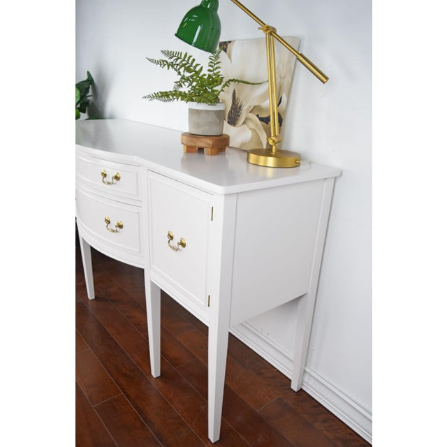 19th Century Traditional Henredon George III Style Mahogany White Sideboard For Sale - Image 4 of 11